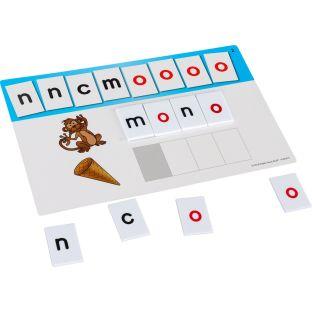 Letras y tarjetas de trabajo para la construcción de palabras (Spanish Word Building Task Cards And Letter Tiles) - 20 cards, 95 tiles
