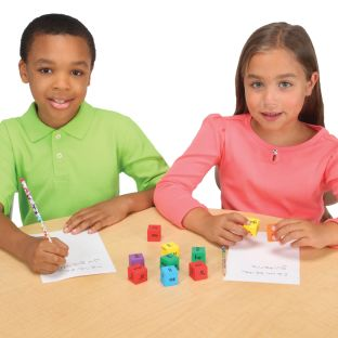 Make-A-Word Soft Touch™ Spanish Syllable Dice Game