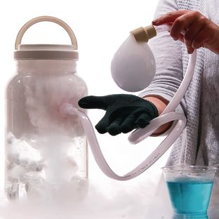 Boo Bubbles™ - Dry Ice Smoke Bubbles