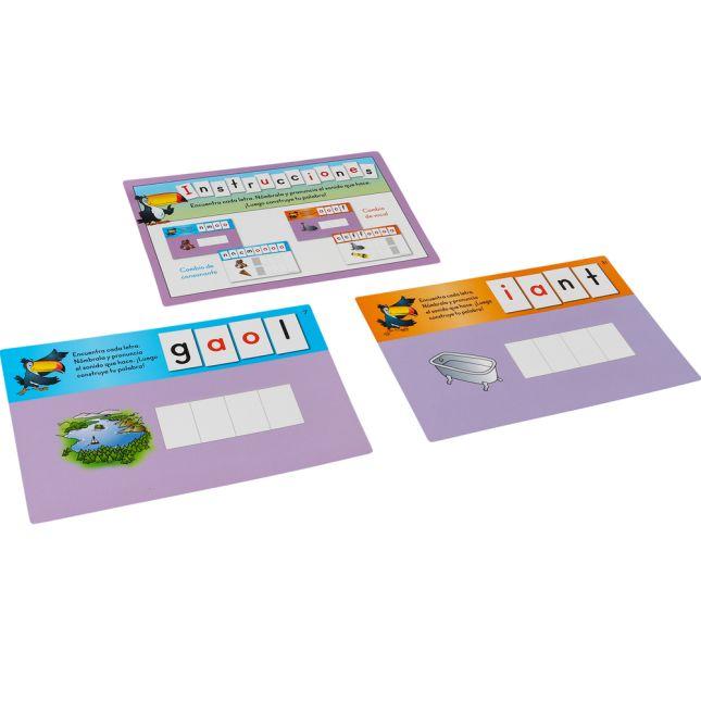 Letras y tarjetas de trabajo para la construcciA³n de palabras (Spanish Word Building Task Cards And Letter Tiles)