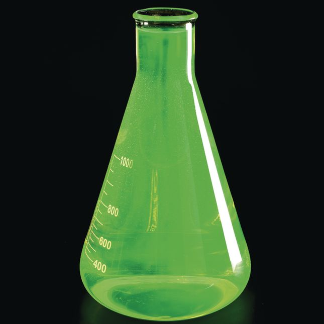 Atomic Glow™ Concentrate - 4 oz concentrate, 1 black light