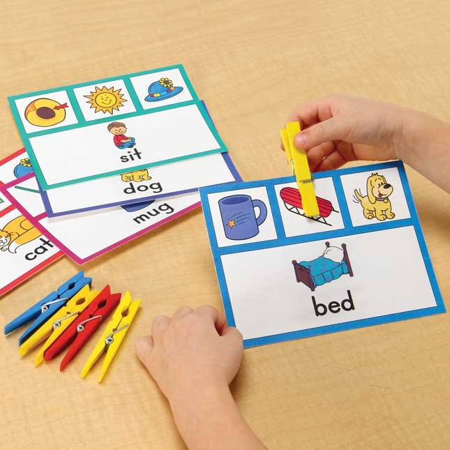 Rhyming Words Clip 'N' Check Kit
